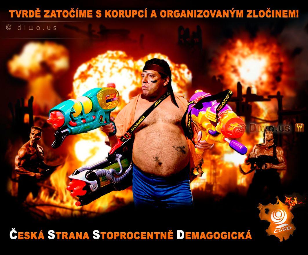 Diwous - Jiří Paroubek - akční hrdina, Silvester Stallone, Arnold Schwarzenegger, Komando, Rambo, ČSSD, vodní pistole, puška M16, vtip, humor
