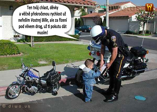 Diwous - Malý motorkář, chopper, dopravák, dopravní policie, hlídka, humor, kuriozita, motorka pro děti, vtip