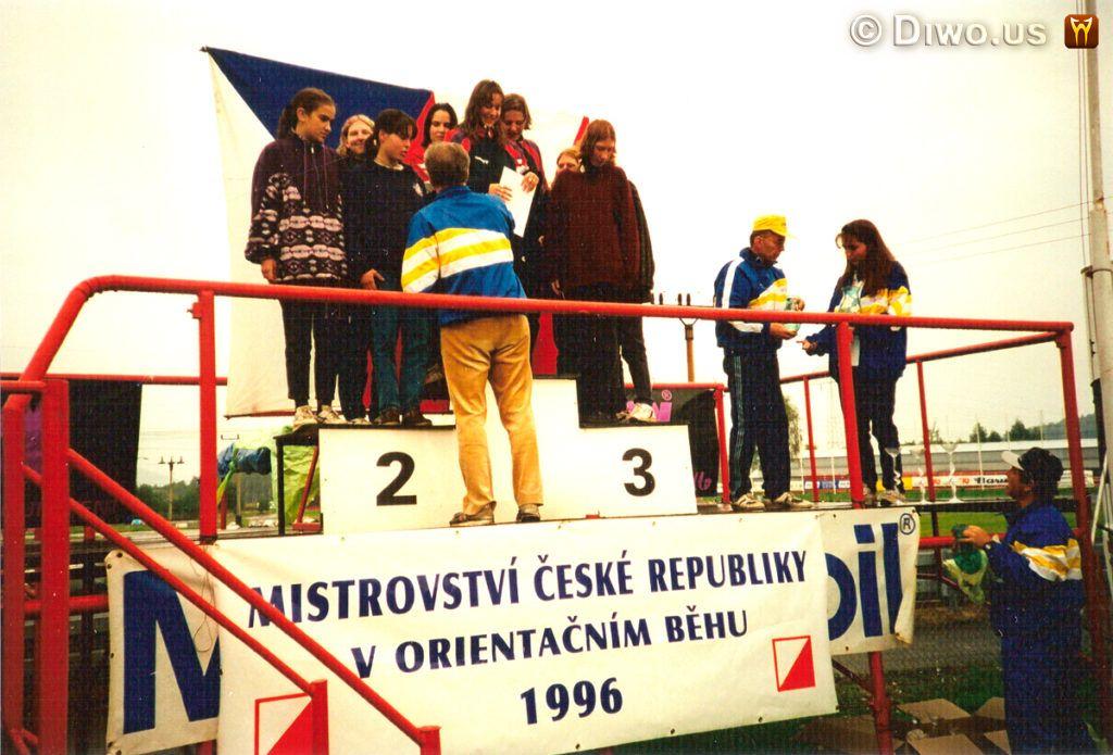 Diwous - orientační běh, Mistrovství ČR, autodrom Sosnová, Česká Lípa, vyhlášení vítězů, stupně