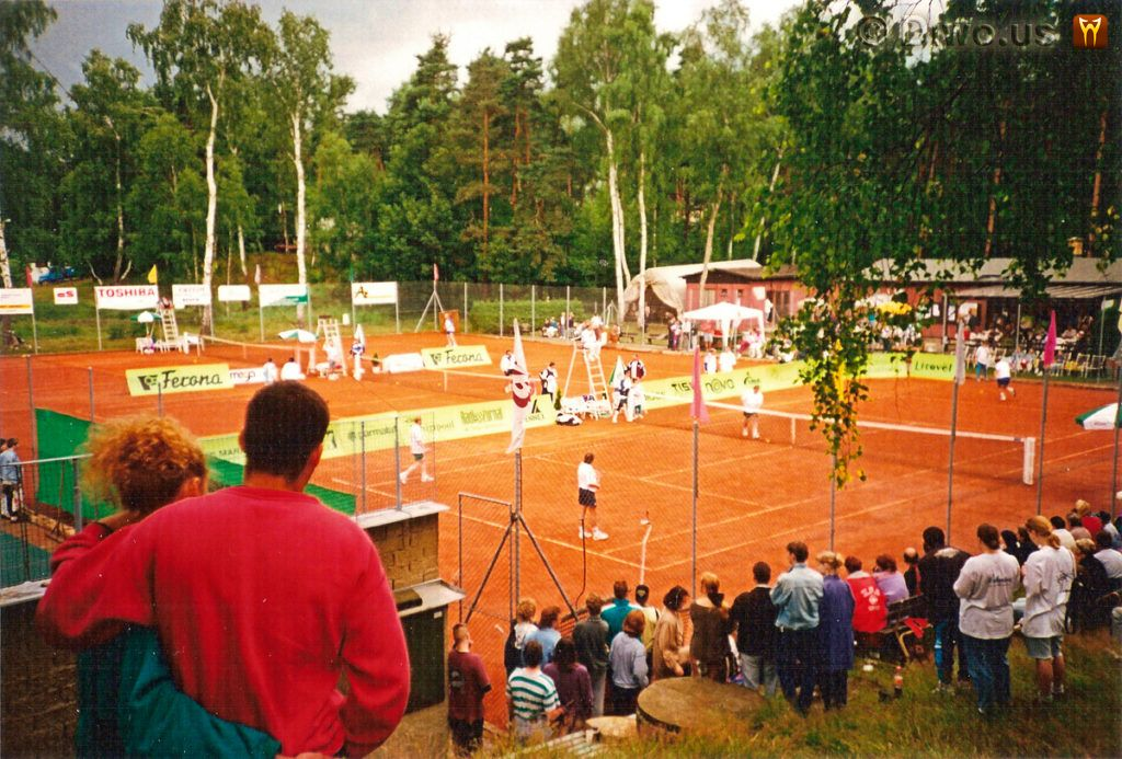 Diwous - tenisová exhibice, Karel Šíp, Josef Náhlovský, Jan Rosák, Stará Splavy, Máchovo jezero, televize, tenis